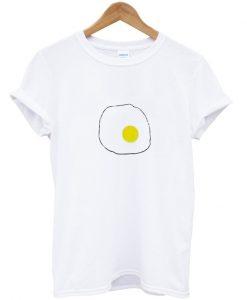 egg print t shirt
